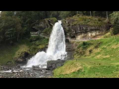 Hardangerfjord - a road trip in Norway - part I