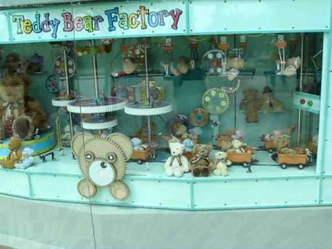 Teddy Bear Factory (Teddy Bear Museum in Jeju Isla...