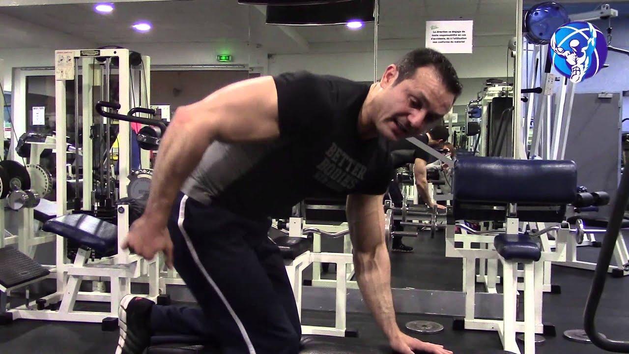 Musculation triceps : les kickbacks à la poulie - YouTube