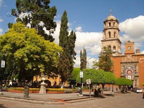 Centro historico queretaro en mexico jardin zenea for Jardin zenea queretaro