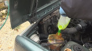 Comment changer le liquide de refroidissement d'une Renault Super 5 GTX/Baccara
