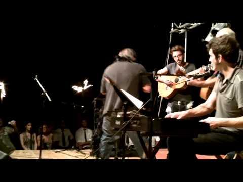 Billy Vulcano rompe chitarra - Funerale Regina Gio...