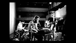 Chet Faker - Dead Body [Lyrics]