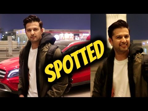 Smart Looking Vatsal sheth Spotted At Airport