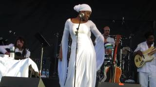 India Arie singing Cocoa Butter at the 2013 Arizona Jazzfest