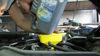 Лансер 9. Замена масла в двигателе.