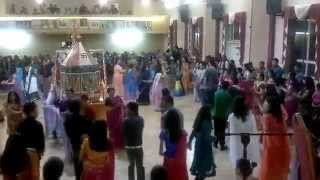 Download Hindi Video Songs - sonal garbo Navratri 2011 at london