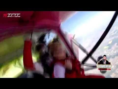 GIULIA SOTIA LUI LIVIU GUTA SALT CU PARASUTA 4000 DE METRI from YouTube · Duration:  4 minutes 21 seconds
