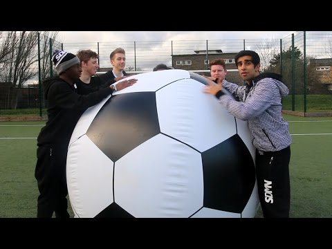 SIDEMEN GIANT FOOTBALL CHALLENGE!