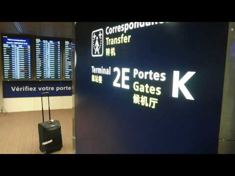 France, Charles de Gaulle Airport, walking to Terminal 2F | Sony Xperia Z5