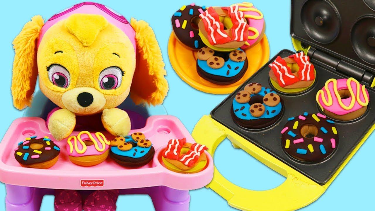 Download Feeding Paw Patrol Baby Skye DIY Play Doh Donut Desserts!