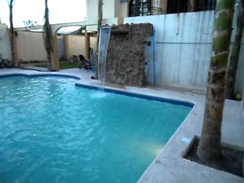 Alberca con fuente y cortina de agua youtube for Cascadas y fuentes de agua para jardin