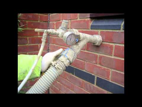 How does cavity wall insulation work?
