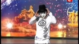 ПАРЕНЬ взорвал интернет!!!!!!!!!!!ШОК смотрите очень круто танцует учитесь!!!!!!!!!!