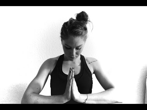 My Yoga Teacher Training Experience // Charlotte Eriksson (The Glass Child)