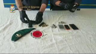 Giovinazzo, sequestrate armi e droga. Due arresti e una denuncia