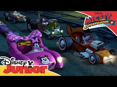 Mickey Y Los Superpilotos: Momentos Mágicos - Mickey VS El Bólido  | Disney Junior Oficial
