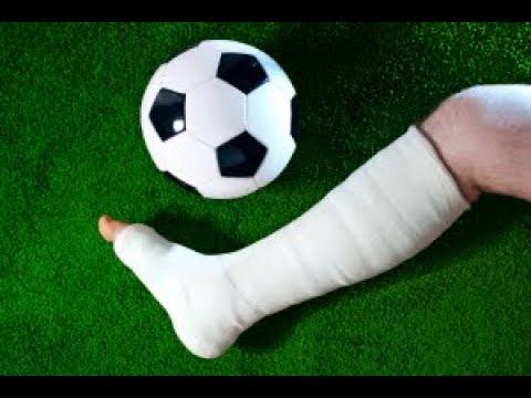 Как футболист получил травму, пытаясь выпросить пенальти