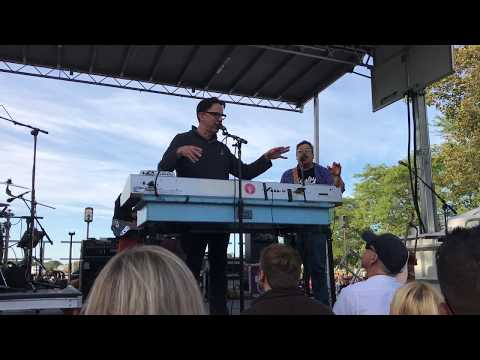They Might Be Giants - Riverfront Music Festival 2017 - Mohegan Sun Show Announcement
