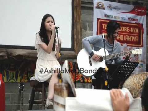 Ashilla - Apalah arti menunggu #AshillaMnGBandung