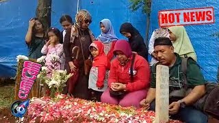 Video Hot News! Hari Ini Fans Jupe Berdatangan ke Makam - Cumicam 11 Juni 2017 download MP3, 3GP, MP4, WEBM, AVI, FLV Agustus 2017