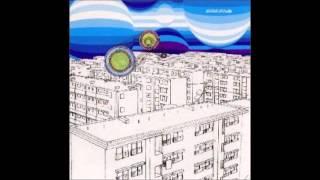 アルバム『BLUE MOON』(2000年)、シングル『月の庭』(2000年)収録。
