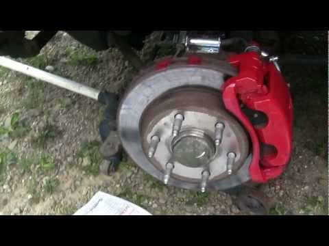 how to jack up suburban/silverado 4X4 and take tires off and paint callipers