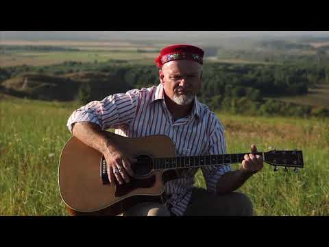 Леонид Прилепин исполняет песню Лидуша Хабиба