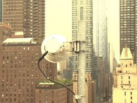 CNET News - Sprint dishes on its 4G roll out and finally coming to New York