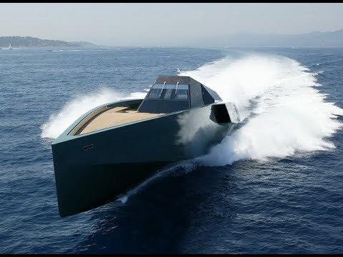 TOP 10 FASTEST YACHTS IN THE WORLD