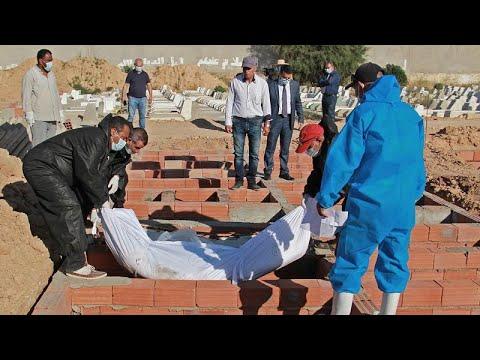 شاهد: عمل شاق في تونس للتعرف على هويات جثث مهاجرين قضوا غرقا في المتوسط…  - نشر قبل 2 ساعة
