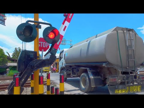 Palang Kereta Api Baru Perlintasan KA Tegowanu Grobogan