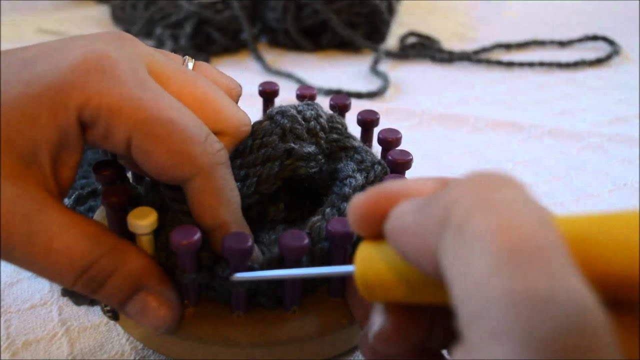 Basic Bind Off For Loom Knit Items In The Round Youtube