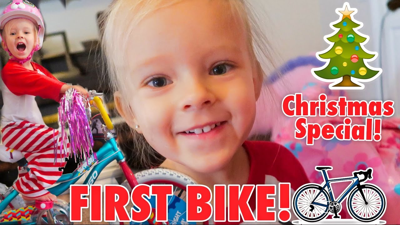 TODDLERS FIRST BIKE! 🚲 Johnson Fam Christmas Special! 🎄