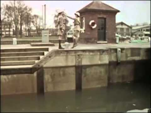 Monty Python's Flying Circus - The Fish Slapping Dance For One Hour