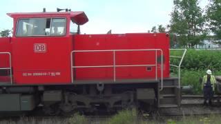 Uithalen wagens bij Conline Rhenania, Maassluis