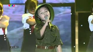 Đồ Rê Mí: Hải Nam - Liên khúc đêm Trường Sơn nhớ Bác và Ai yêu Hồ Chí Minh hơn thiếu niên nhi đồng