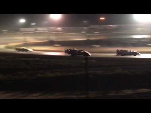 9/3/2017 Gillette Thunder Speedway heat race outside view