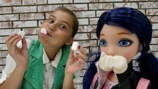 Видео для девочек: 🍨#Челлендж МАРШМЭЛЛОУ c #ЛучшаяподружкаВика и Маринетт (Леди Баг)