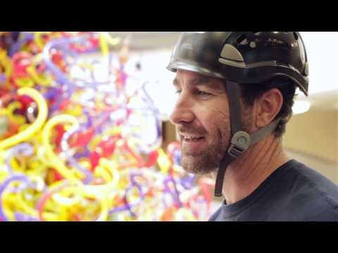 How to Clean the Dale Chihuly Fireworks of Glass Sculpture | The Children