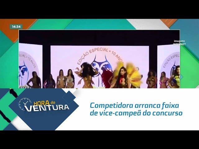 Competidora arranca faixa de vice-campeã do concurso Miss Bumbum