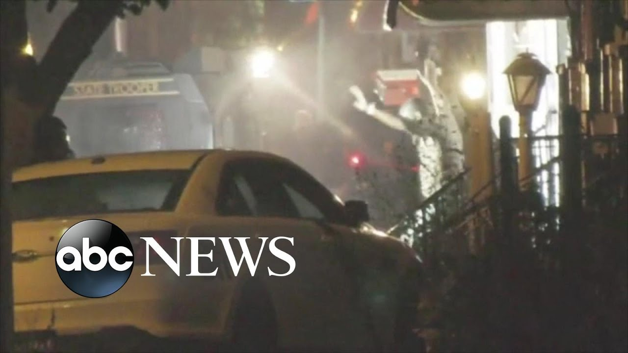 ABC News:Gunman surrenders after standoff with cops in Philadelphia l ABC News