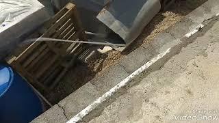 Обзор подвала из опилкобетона после установки плит перекрытия и стены дома из блоков Термокомфорт