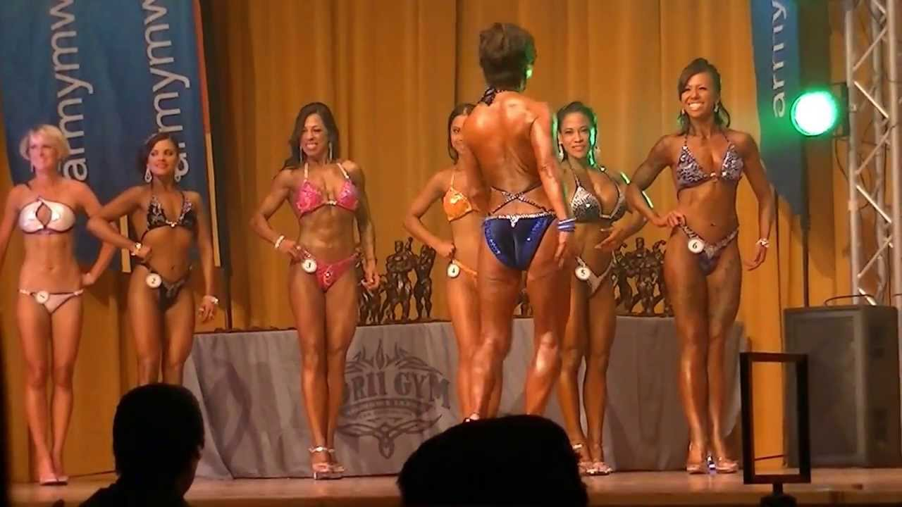 Female Figure Competition (2013 Muscle Beach Classic) - YouTube