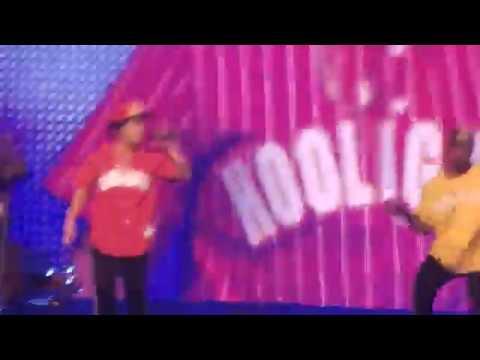 "Bruno Mars Performing ""Treasure"" in Pittsburgh 8/22/17"