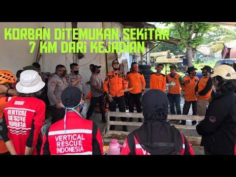 Basarnas Lampung Bersama Tim SAR Gabungan Evakuasi Korban Hanyut di Aliran Sungai Gunung Camang Bandar Lampung