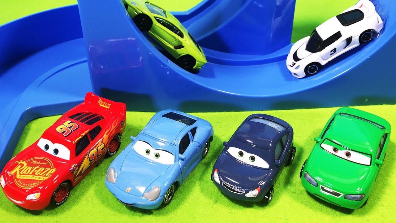 Disney Pixar Cars 3 4 Toys Lightning McQueen, Sally Carrera, Dan And Kim ! Giant Slalom