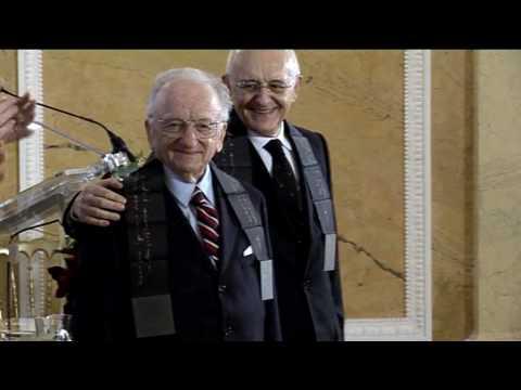 Prins van Oranje reikt Erasmusprijs 2009 uit aan Antonio Cassese en Benjamin Ferencz