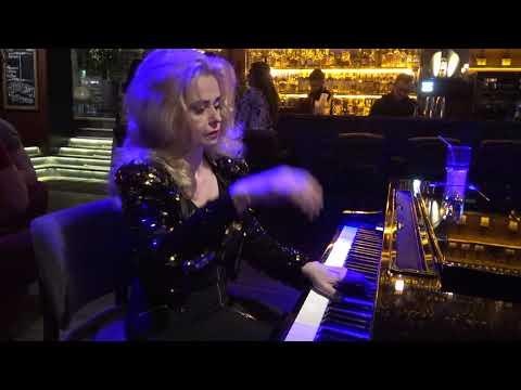 Оксана Петриченко. Пианистка-виртуоз. Кафе Дружба-Мануфактура еды.