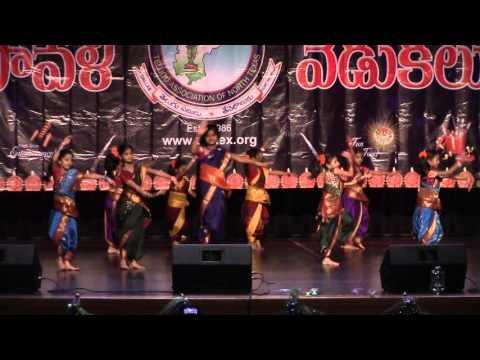 Madano Na Vayyari Folk Dance Coordinator Sindhura Posanapalli on Nov 14th 2015 at Irving High